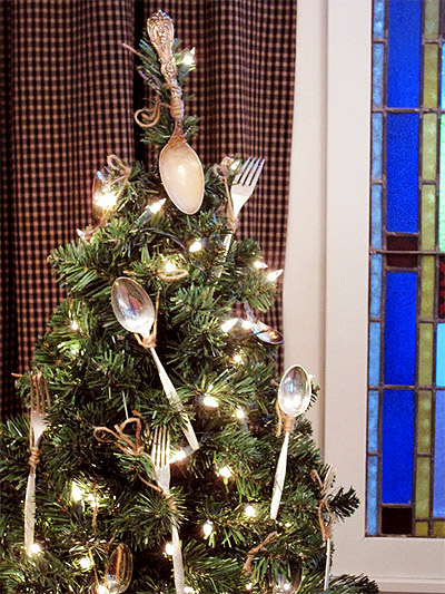 Christmas Tree Decor Ideas - Business Interior Design News | Mindful ...