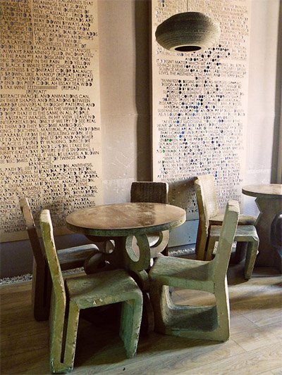 restaurant-cafe-design-chairs