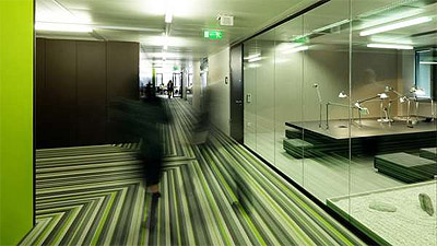 green office in viena - microsoft - corridor