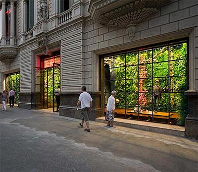 Green Wall Store Design