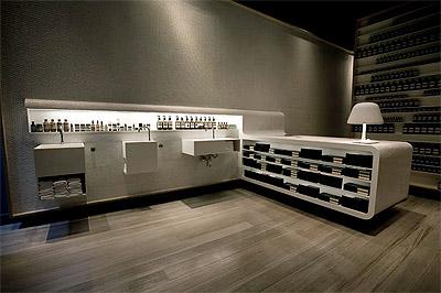 Store interior design with vintage twist