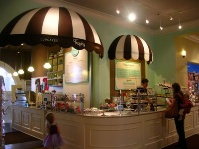 Cupcakes Store Interior Design Ideas - Commercial Interior Design