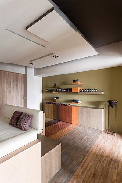 cosmetics store interior designer