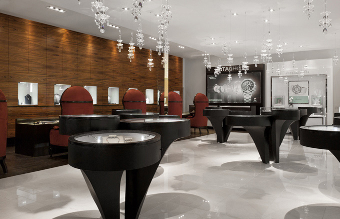 Sophisticated Jewelry Store Design In Toronto Brings Attention