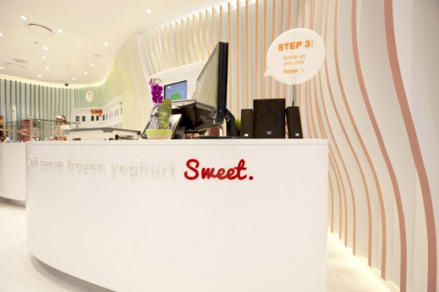 frozen yogurt shop interior