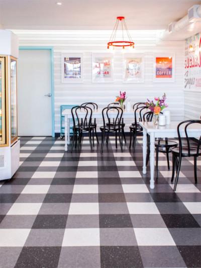 Cupcake-Shop-Retro-Design