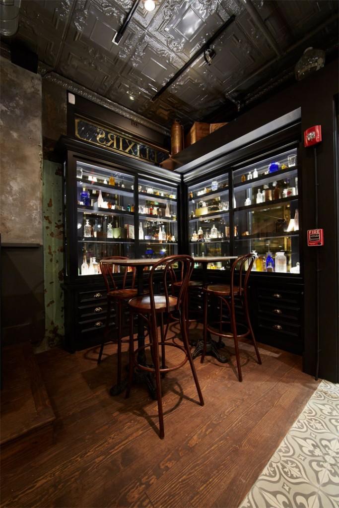 Bar-Window-Display