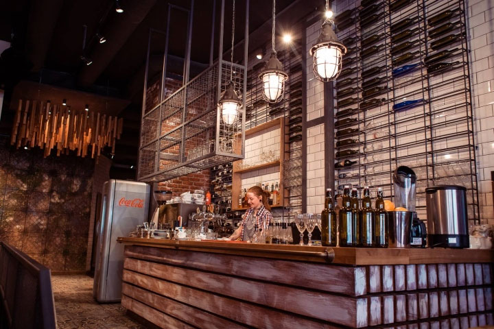 Trendy Restaurant Interior Design Is At The Junction Of Industrial And  Rustic