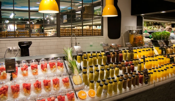 Juice-Bar-Fruit-Display