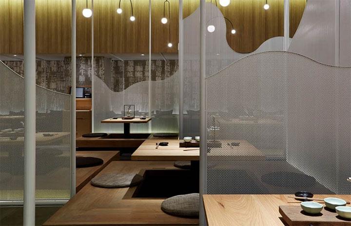 Restaurant-Mountain-Divider