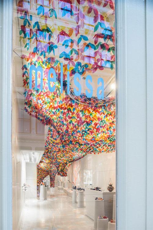 Flower-Decor-in-Store-Design