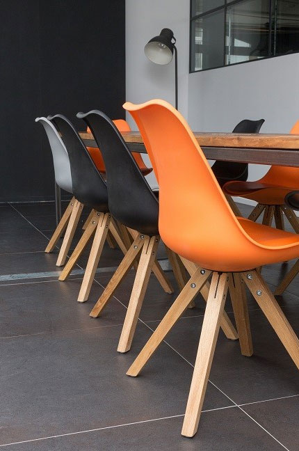 Modern-Seating-in-Office-Design