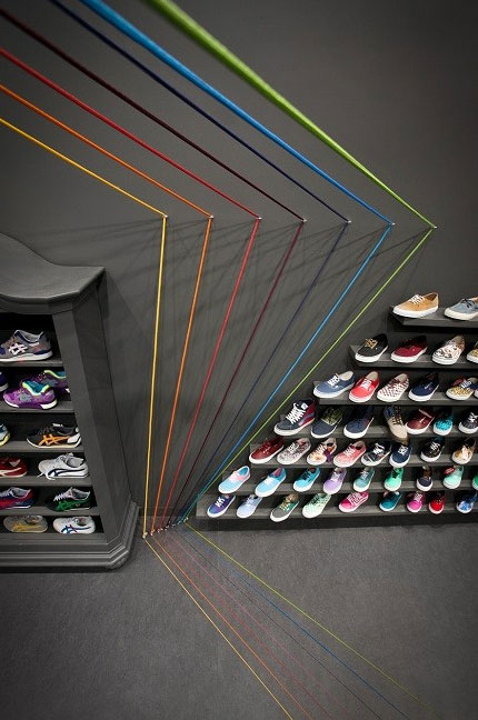 Unconventional-Sneaker-Store-Design