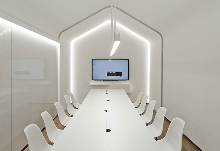 White-Office-Design