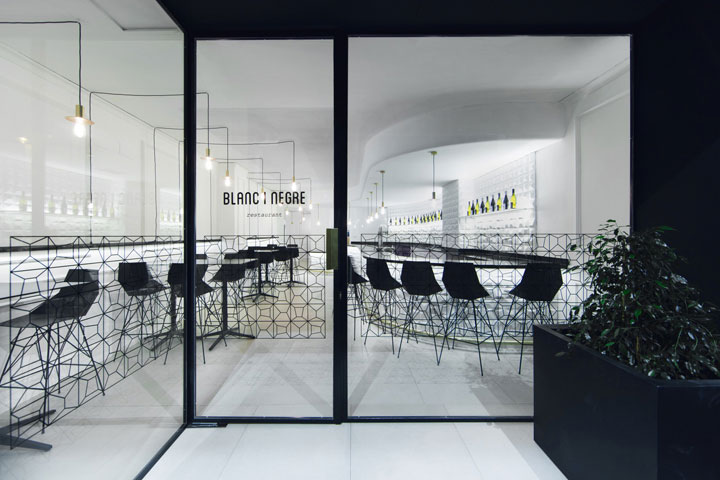 Diamond-Shaped-Details-in-Restaurant-Design