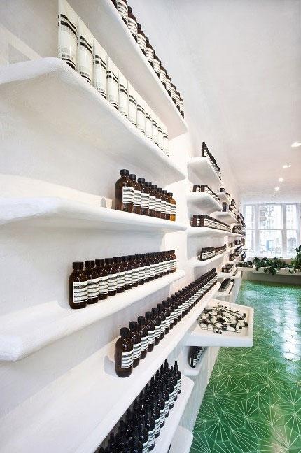 Fiberglass-Shelving-in-Store-Design