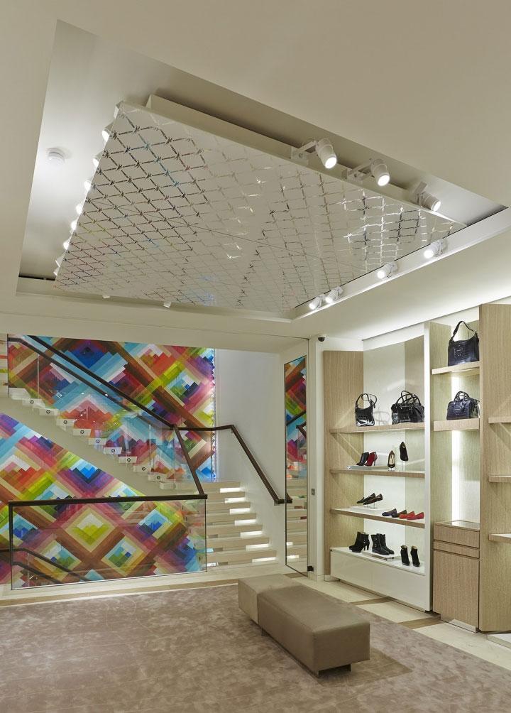 Aluminum-Panel-Ceiling-in-Store-Interior-Design