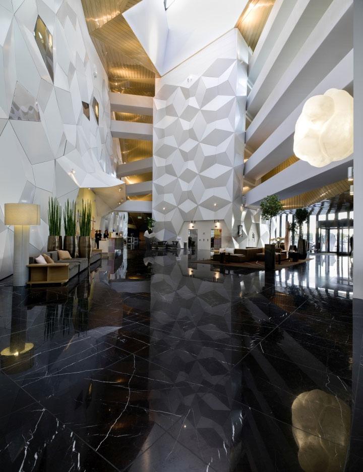 Aluminunm-Ceiling-Hotel-Lobby-Interior-Design