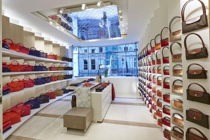 Painted-Aluminum-Panels-in-Store-Interior-Design