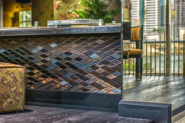 Scale-Tiles-in-Bar-Design