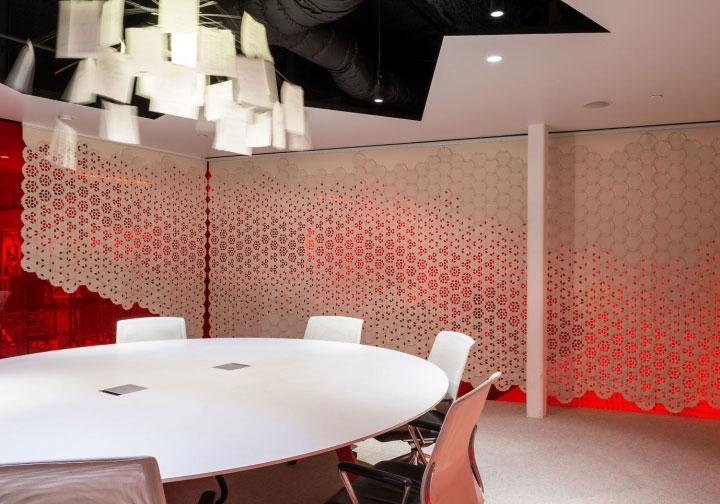 Wool-Felt-Room-Dividers-in-Office-Design