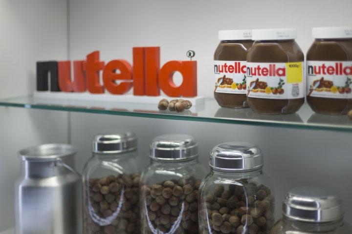 Ingredient-Display-in-Kiosk-Design