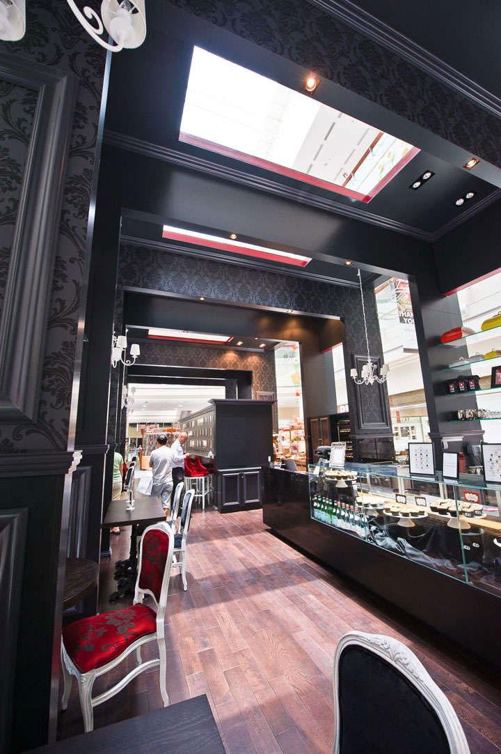 Victorian-Dessert-Store-Design
