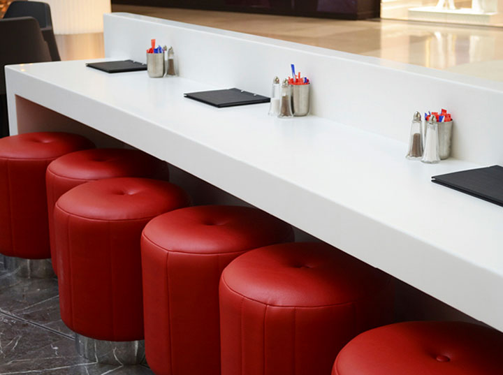 red-accents-in-kiosk-design