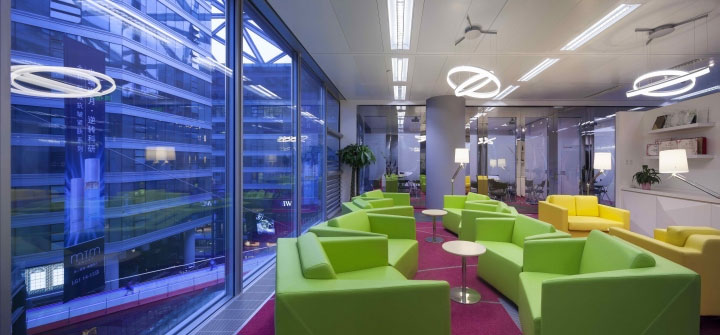 bright-color-palette-in-office-design
