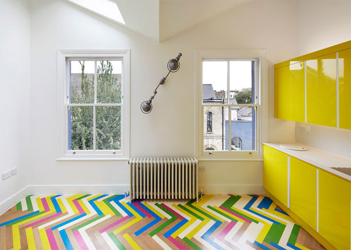 bright-colored-floor-in-interior-design