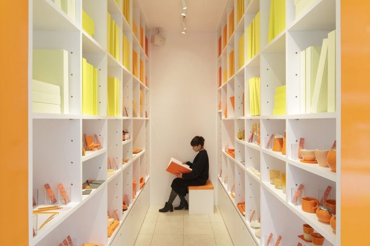 colorful-display-shelves-in-store-design
