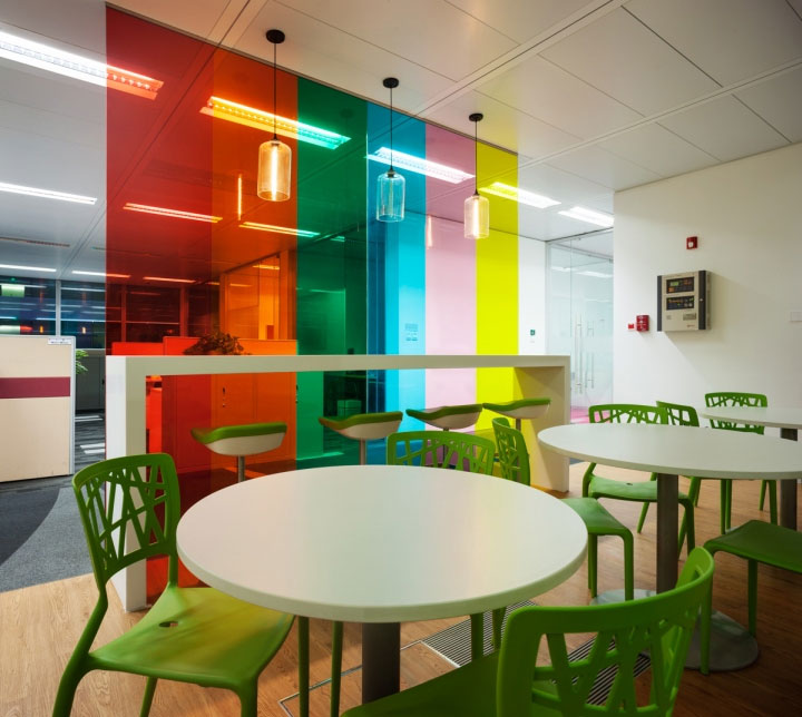colorful-glass-divider-in-office-design