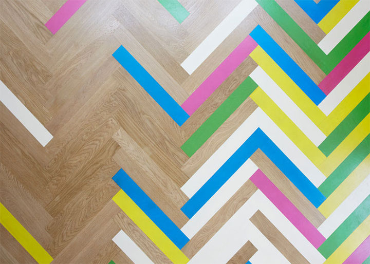 colorful-herringbone-floor-in-interior-design