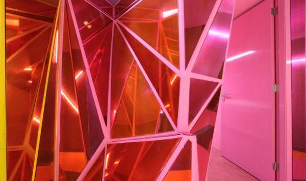 using mirrors in interior design
