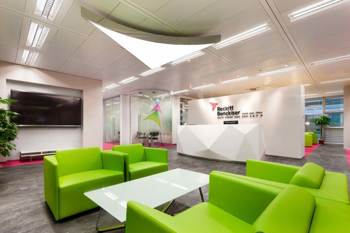 vibrant-colors-in-office-design