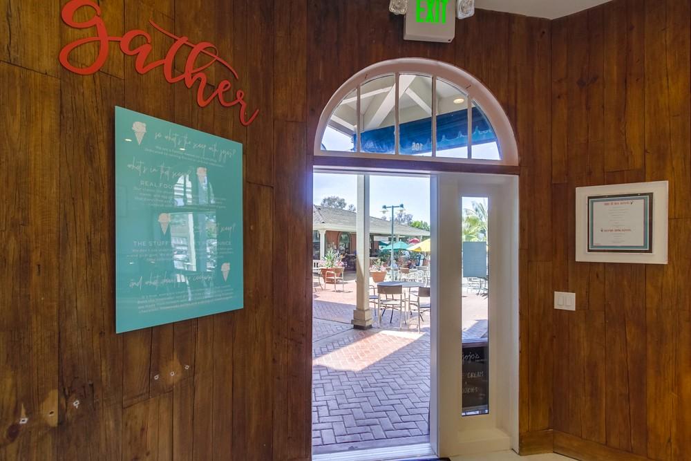Ice-Cream Shop Interior Design