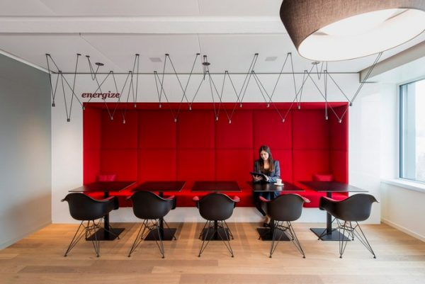 Office Interior Design Encourages Employees to Move, Socialize and Relax