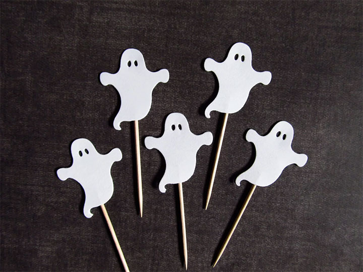 Business-Party-Halloween-Decor-Ideas-Cupcake-Toppers
