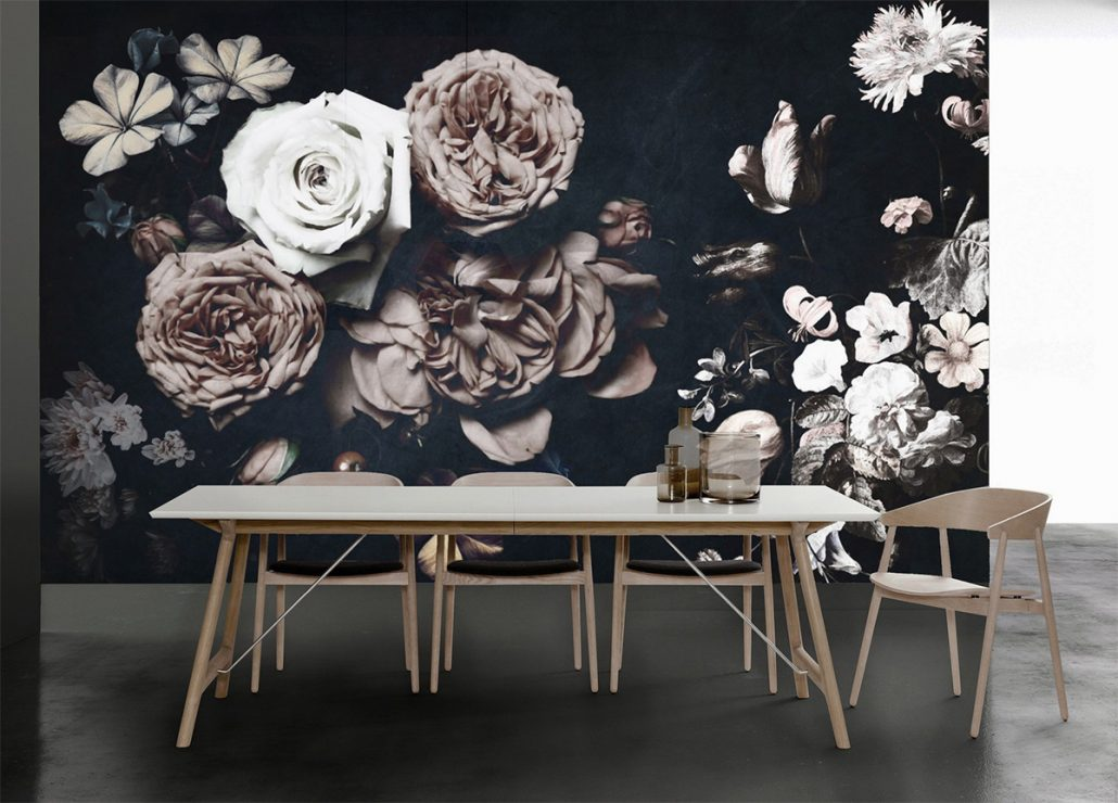 Wallpaper large print trend