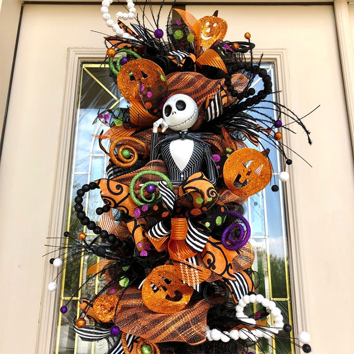 Halloween Decor Ideas For Restaurants Offices And Retail Stores Mindful Design Consulting