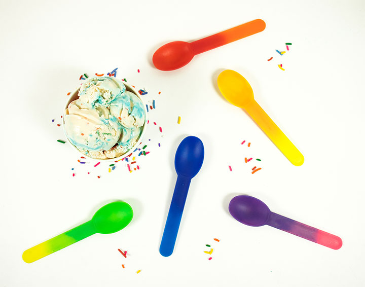 Frozen yogurt spoons in multiple coolors