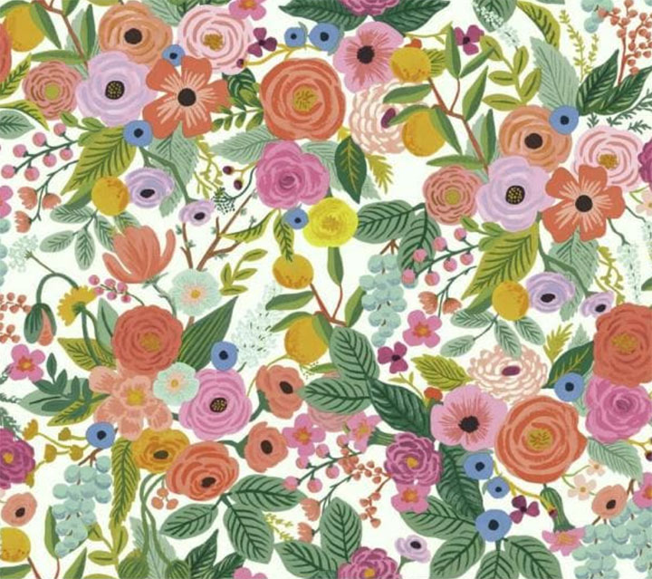 Summer-inspired floral wallpaper in bright colors