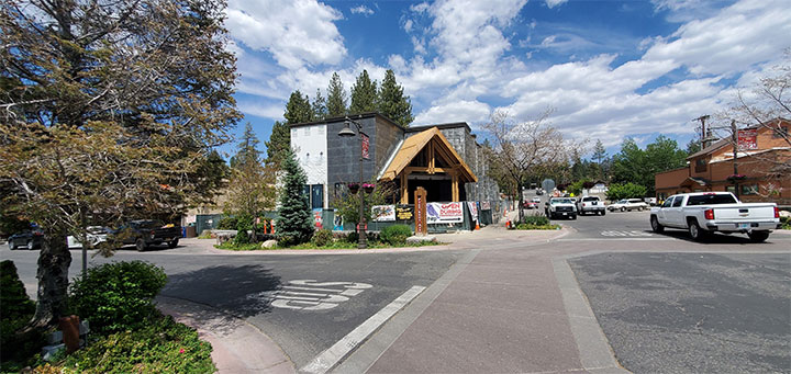 Mountain tourist location for bear-themed frozen yogurt shop